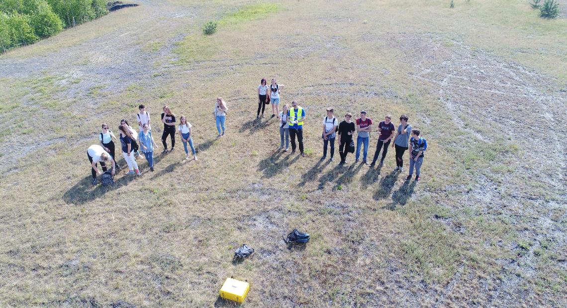 Kartowanie zwałowisk po górnictwie węgla kamiennego podczas zajęć terenowych w Technikum Ochrony Środowiska Zespołu Szkół nr 1 w Tychach
