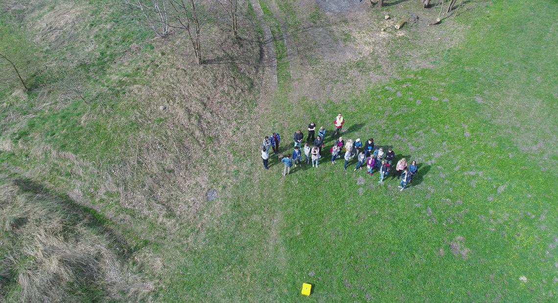 Interpretacja zdjęć z drona – fragment wału moreny czołowej w rejonie Mikołowa-Mokre. Ćwiczenia terenowe dla słuchaczy geografii Instytutu Studiów Podyplomowych w Tychach